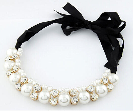 Choker Necklace with Pearl Imitation Beads and Rhinestone Crystals