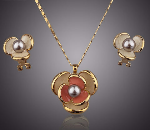 Classic Gold Plated Flower Design Clip Earring and Pendant Necklace Set