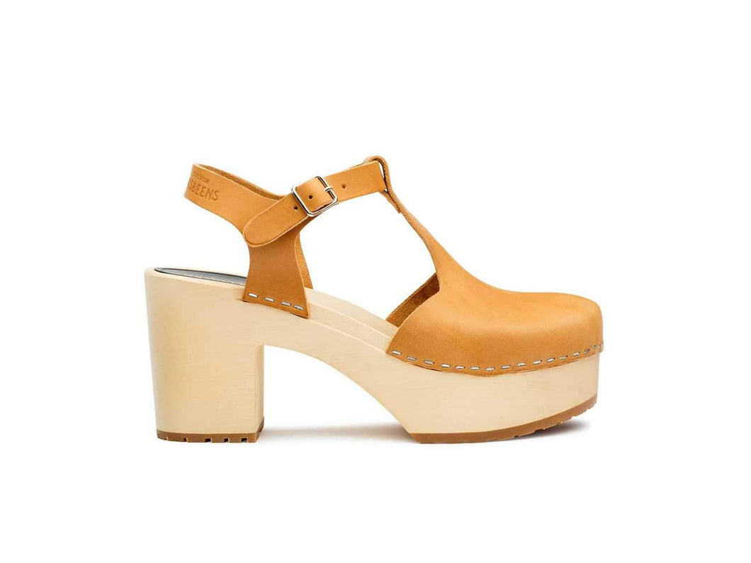 Lotta Clog Sandal by Swedish Hasbeens