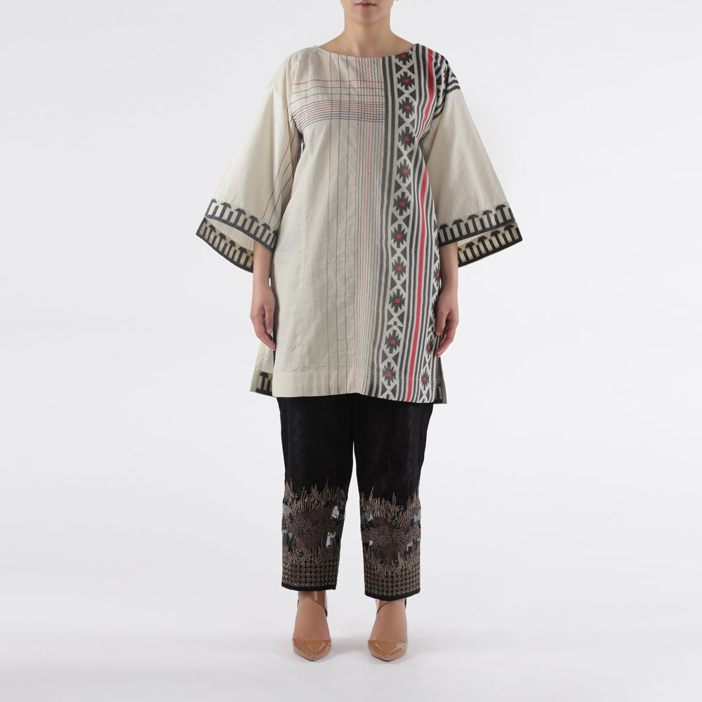 Oaks Off-White Jacquard Printed Kurti