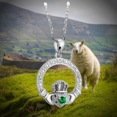 illusion claddagh necklace with green stone