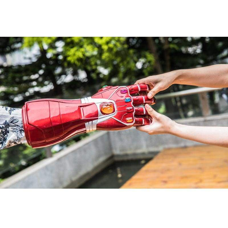 xcoser-de,XCOSER Avengers: Endgame Iron Man Infinity Gauntlet with LED,Props