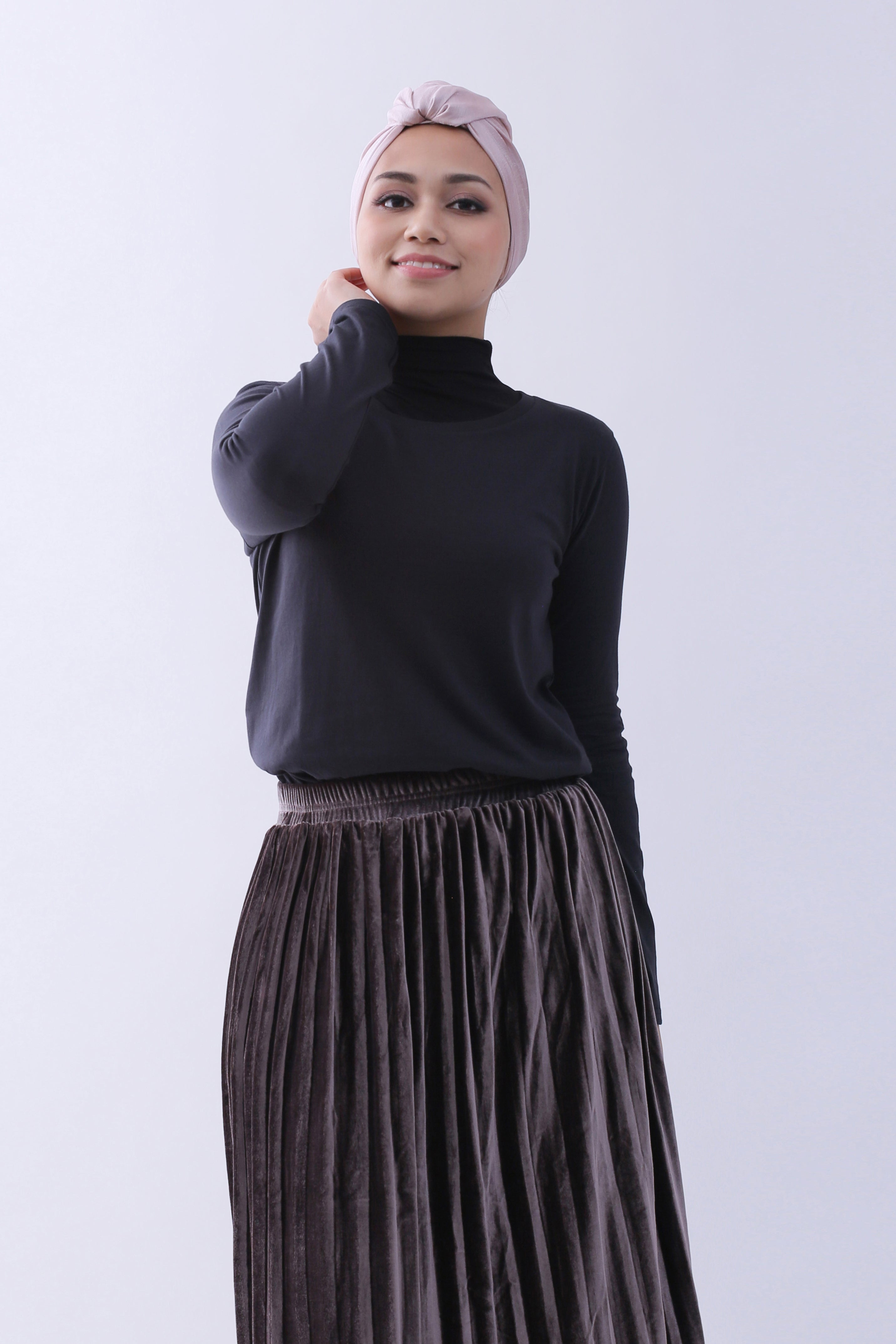 97f6a04403 Supima Cotton Relaxed Cut Long Sleeve T-shirt   Jet Black   For ...