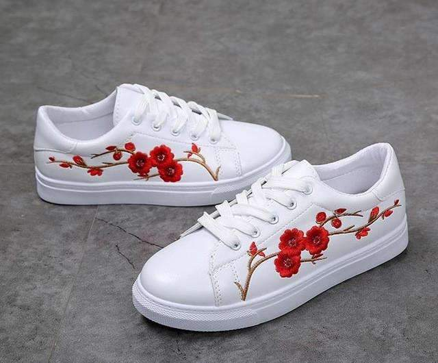 Floral Embroidered Shoes (3 Styles)