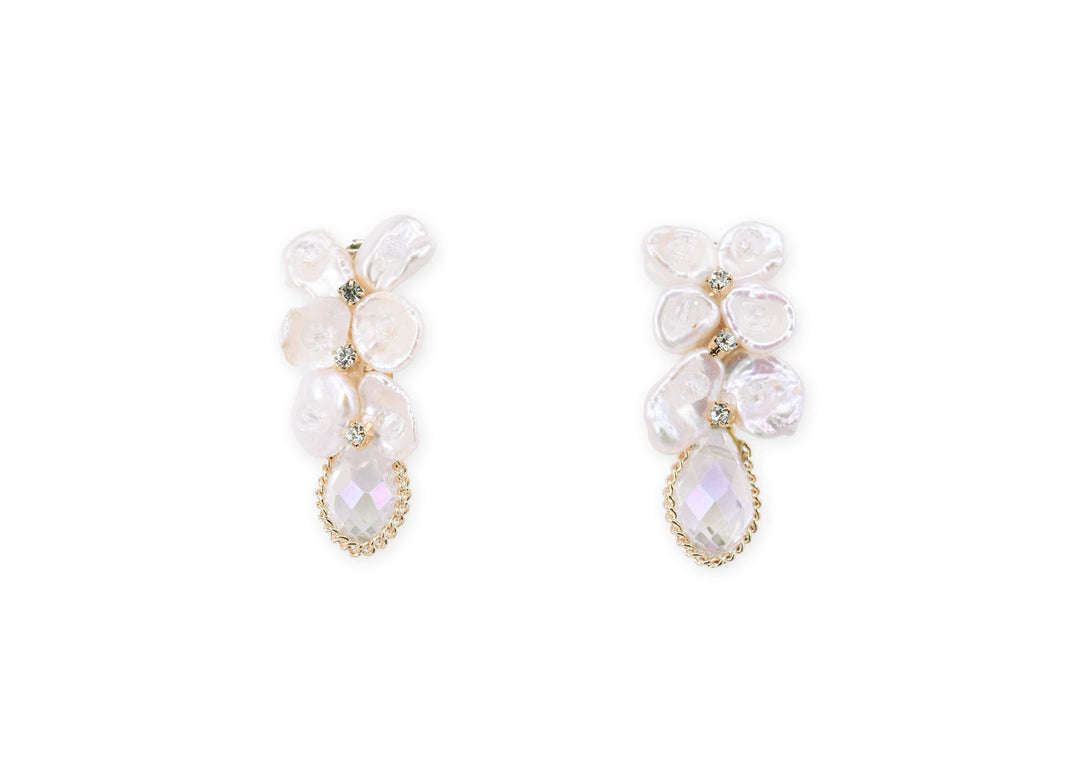 Neat elegance pearl drop earrings