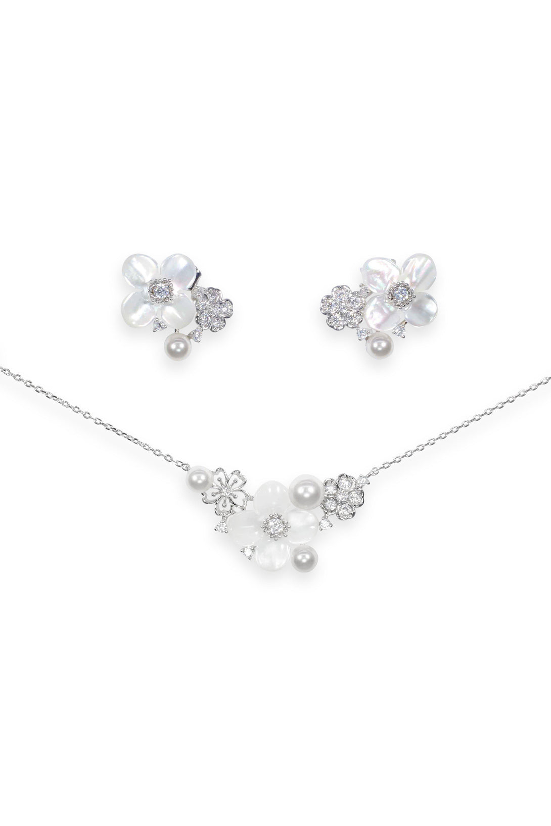 Cuteness Set Flower Statement with Pearl in Sterling Silver (Earring, Necklace)