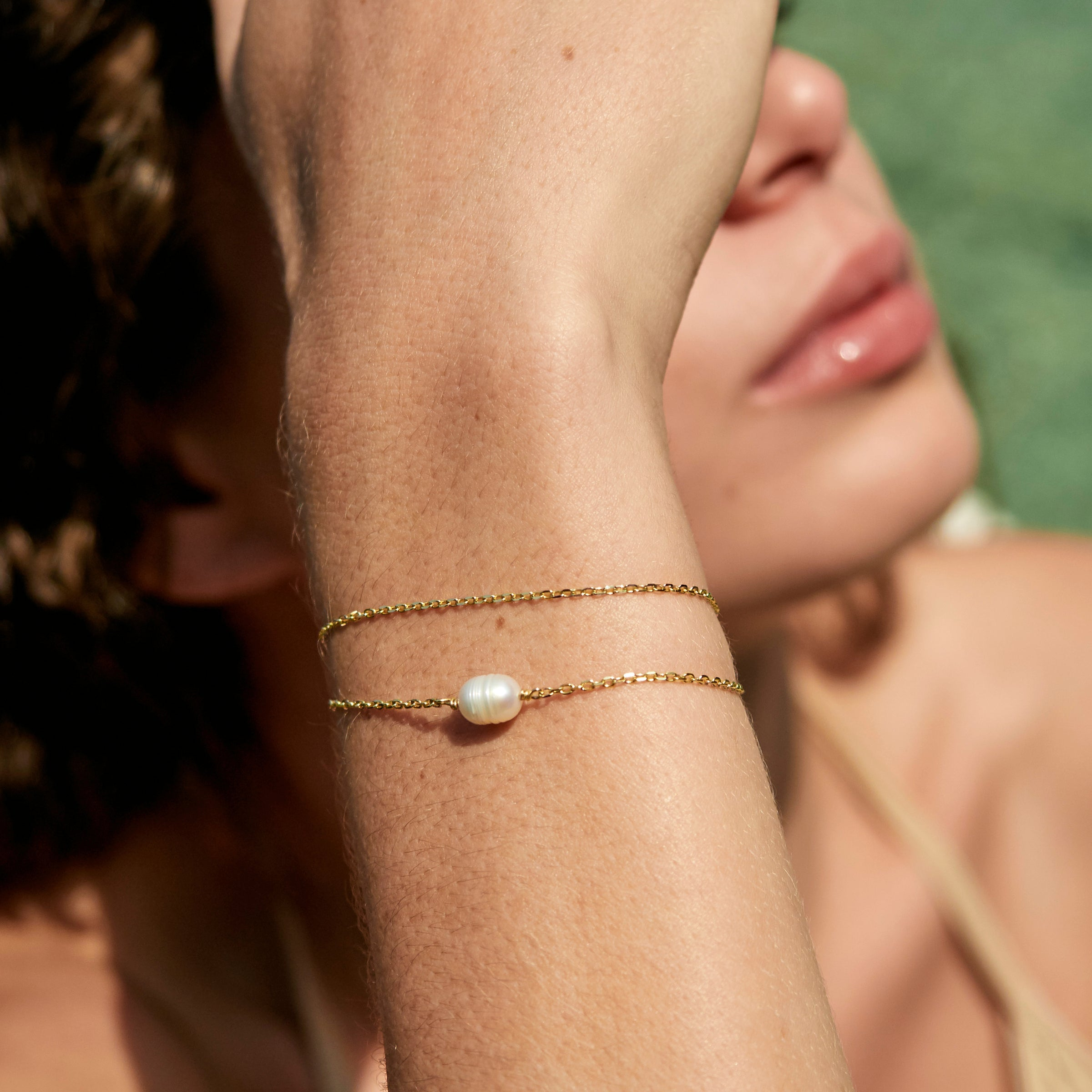Solo Pearl Bracelet in Yellow Gold