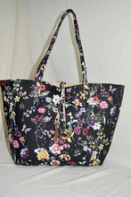2-in-1 Reversible Floral Tote
