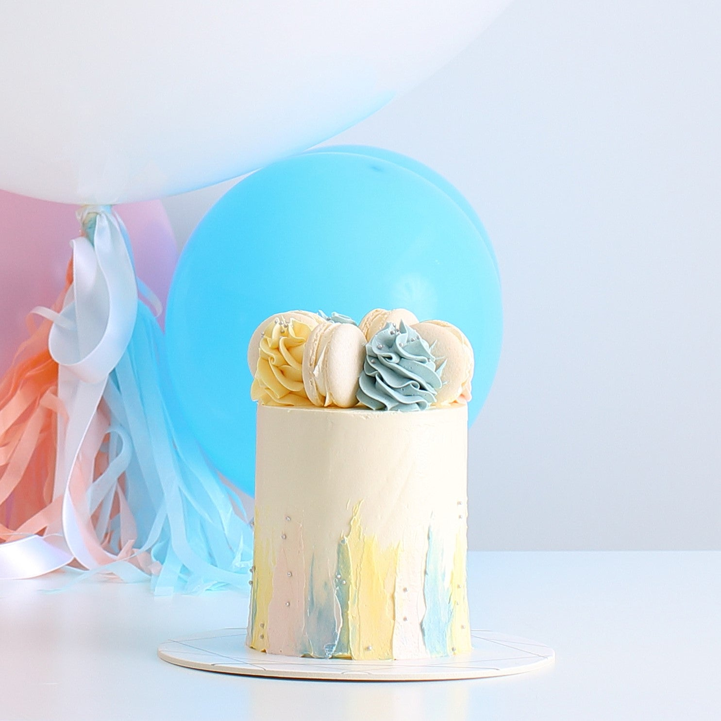 Macarons & Cream Cake & Balloon | BOW Artisan Cakery | Occasions | Hong Kong