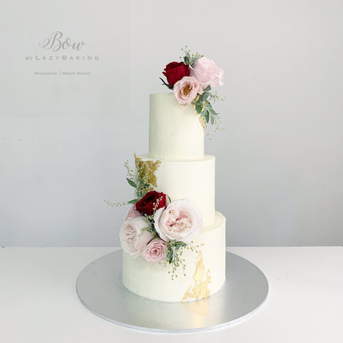 Wedding Cake with Fresh Flowers [Three-Tier]
