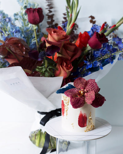 Cake & Bouquet | BOW Artisan Cakery | Valentine's Day | Hong Kong