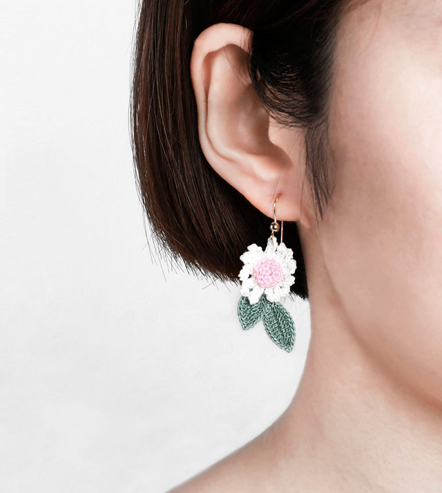Daisy with Leaf Drop Earrings
