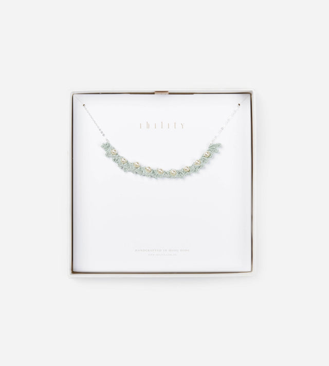 The Son of The Sea, Glossy Pearl Choker