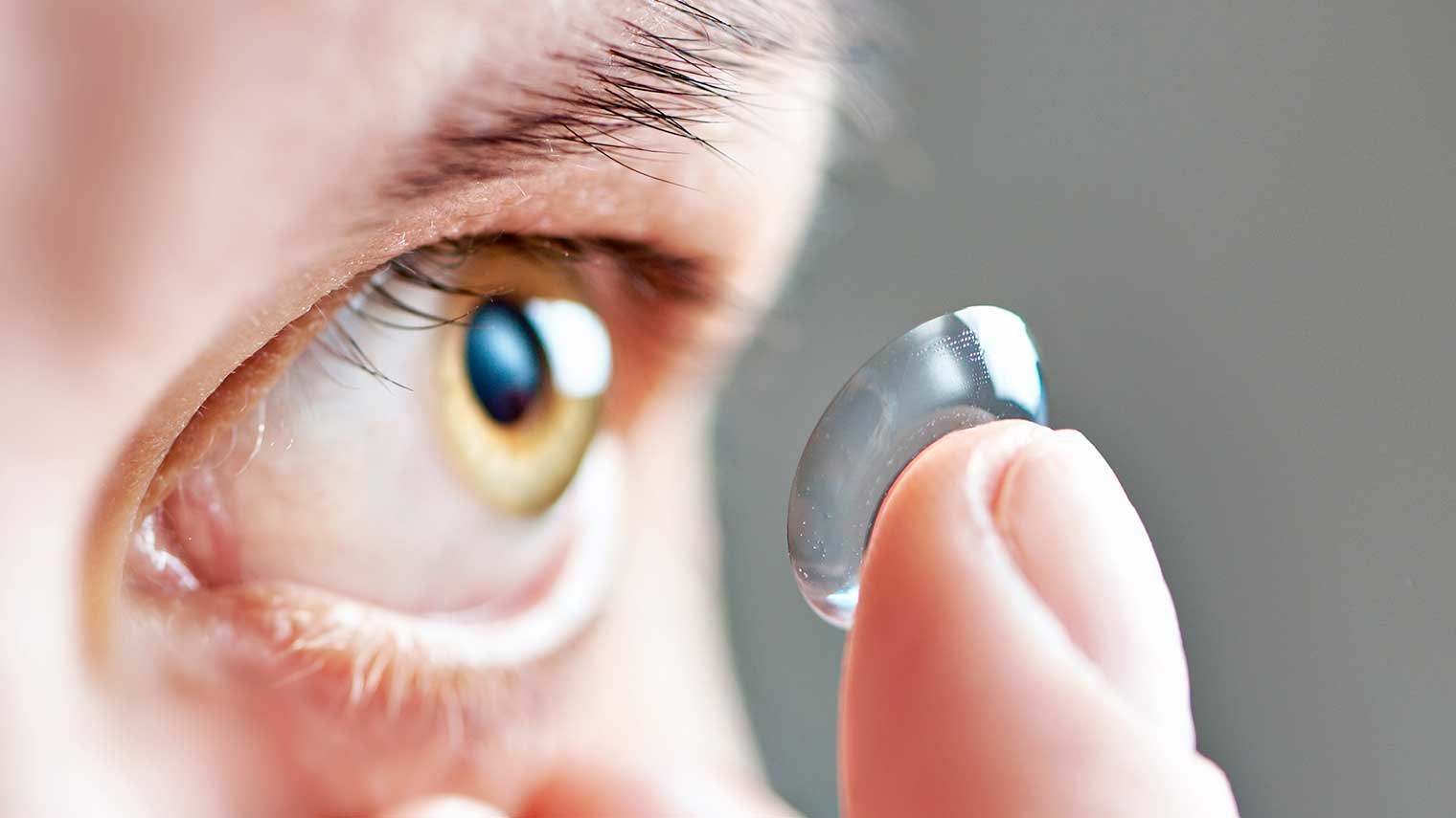 Tips on How to Avoid Low Quality Contact Lens
