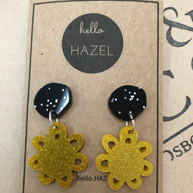 hello Hazel Earrings - Gold Glitter Daisy