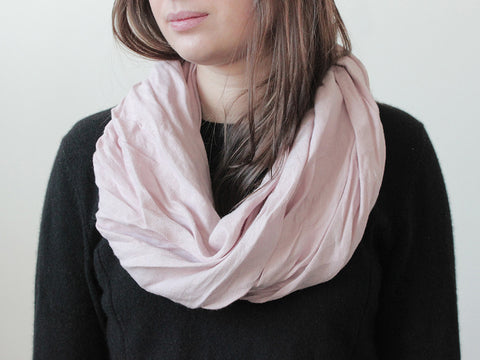 Dusty rose linen infinity scarf by LHI