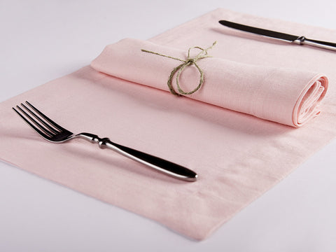 Dusty rose linen napkin and placemat by Lovely Home Idea