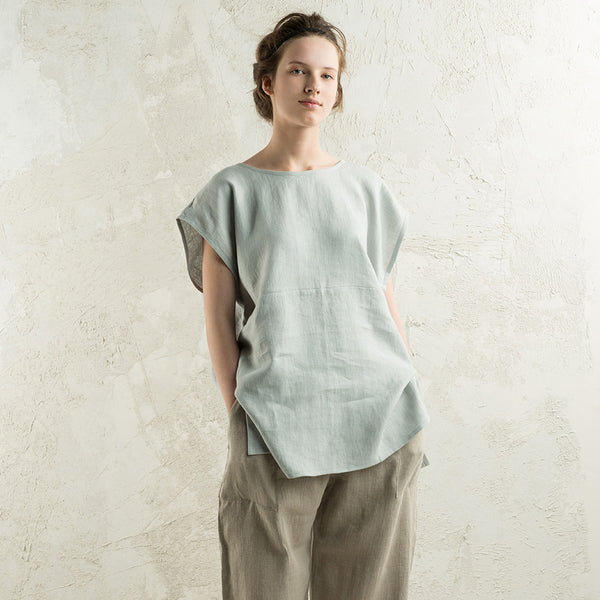Loose fit linen top for woman by LHI