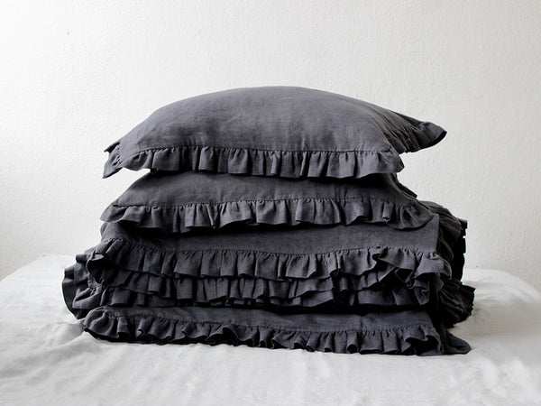 Linen pillowcase with ruffles by Lovely Home Idea