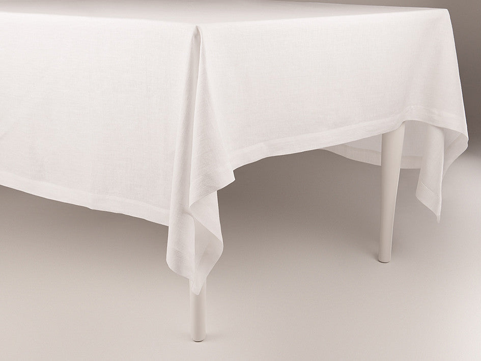 White linen tablecloth by Lovely Home Idea