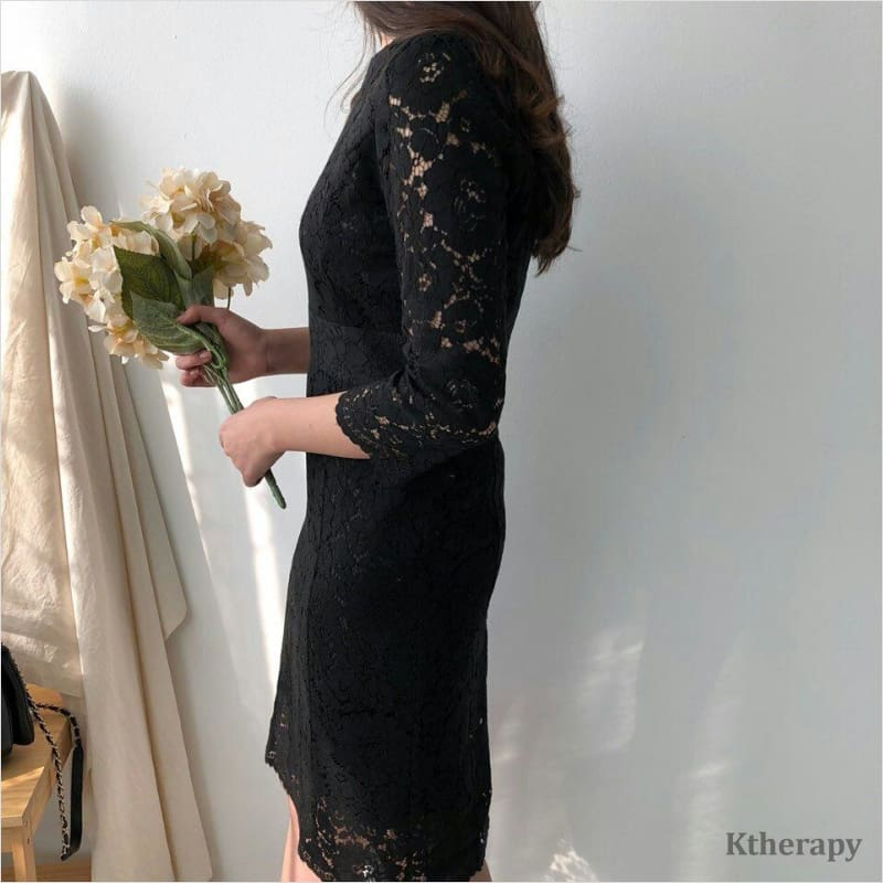 GWENNA LACE DRESS - K therapy