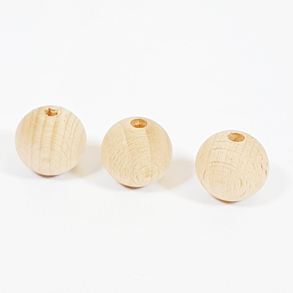 20mm Round Natural Wood Bead (5mm hole)