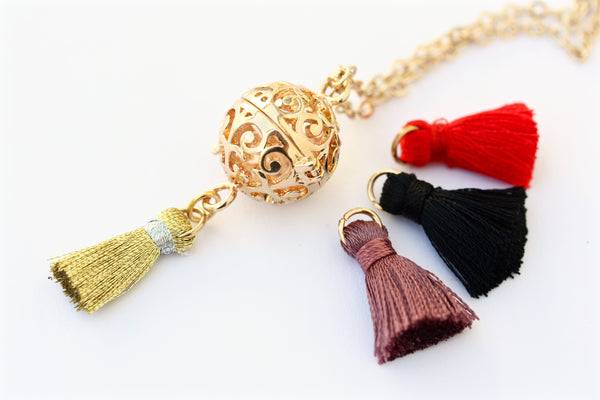 Gold Aromatherapy Essential Oil Diffuser Necklace With Tassle