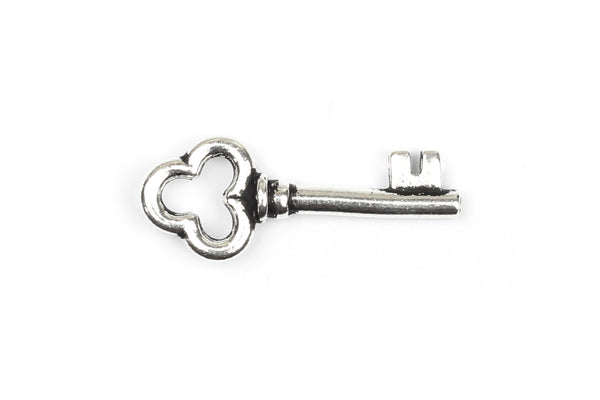 Kerrie Berrie UK Tierracast Silver Plated Key Charm for Jewellery Making
