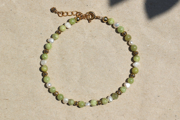 Kerrie Berrie Handmade Gold Bracelet Made from Real Pearls and Olivine Peridot Beads