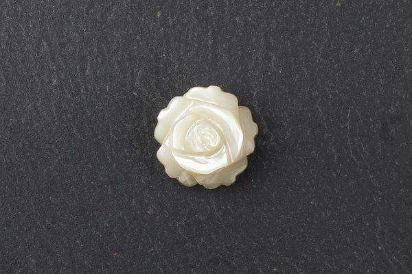 Kerrie Berrie UK Shell Floral Flower Beads for Costume Jewellery Making