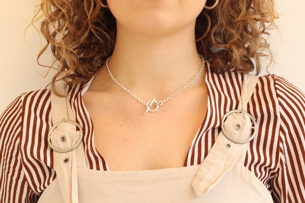 Toggle Clasp Necklace Front Fastening Chunky Rolo Chain - Silver