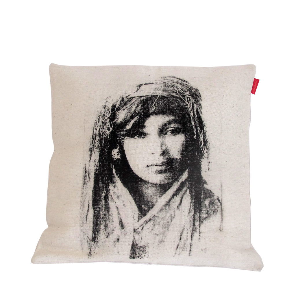CUSHION AMIRA