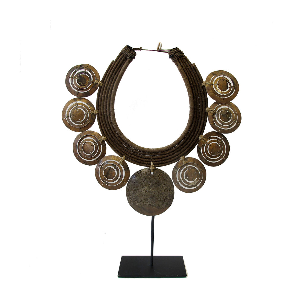 METAL NECKLACE ON STAND