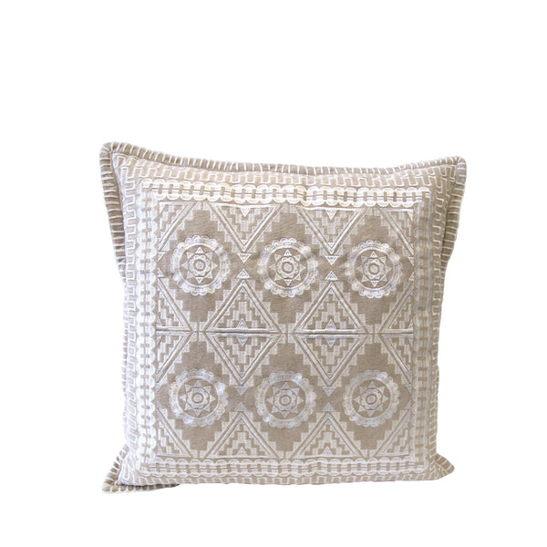 WHITE TRIBE CUSHION