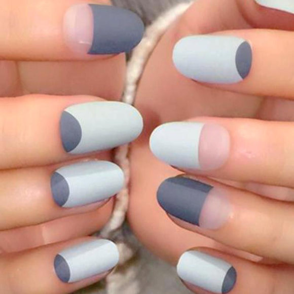 24 Piece - Grey Matte French Nails