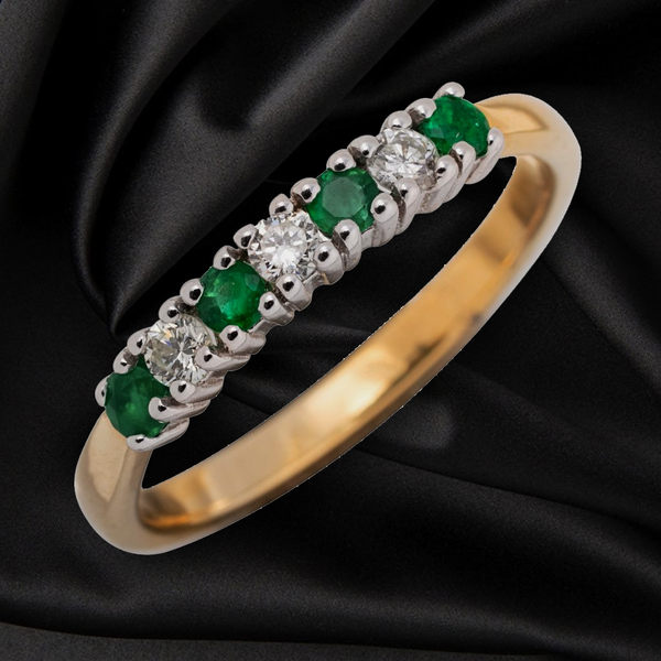 18CT EMERALD AND DIAMOND ETERNITY RING