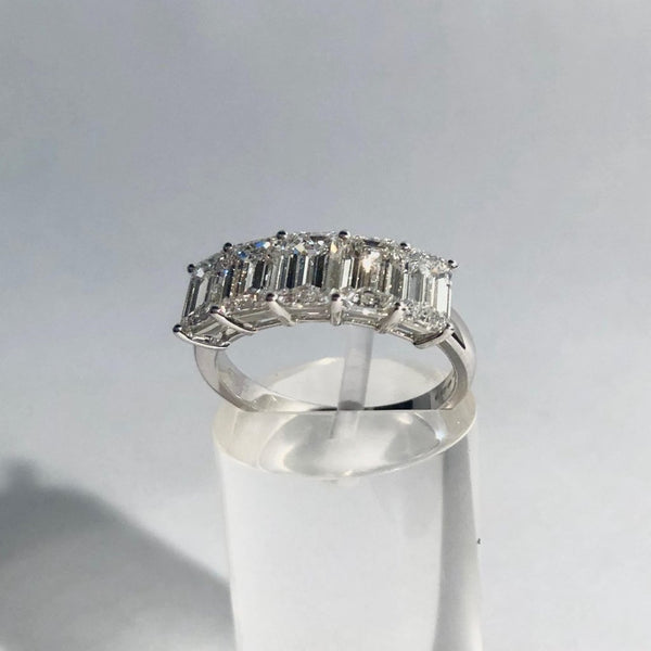 18CT WHITE GOLD 5 STONE EMERALD CUT DIAMOND RING