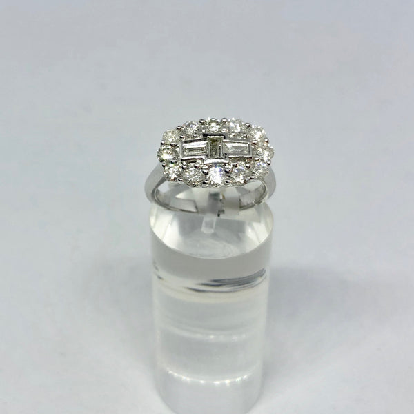 18CT WHITE GOLD CLUSTER DIAMOND RING
