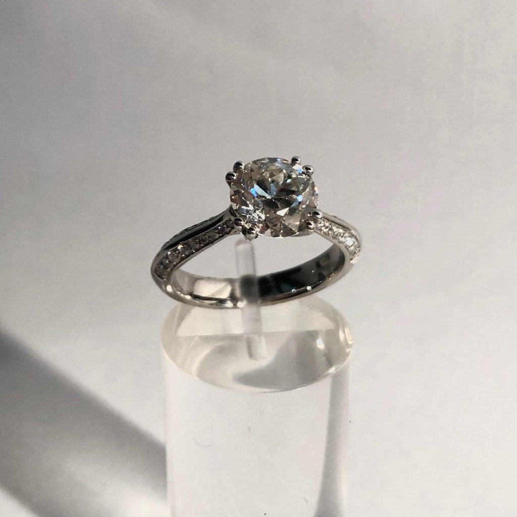 PLATINUM VINTAGE EUROPEAN CUT DIAMOND RING