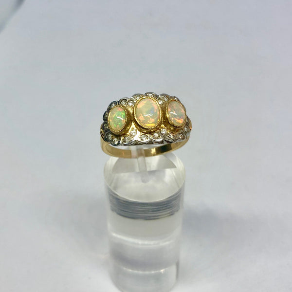 9CT YELLOW GOLD 3 STONE OPAL RING