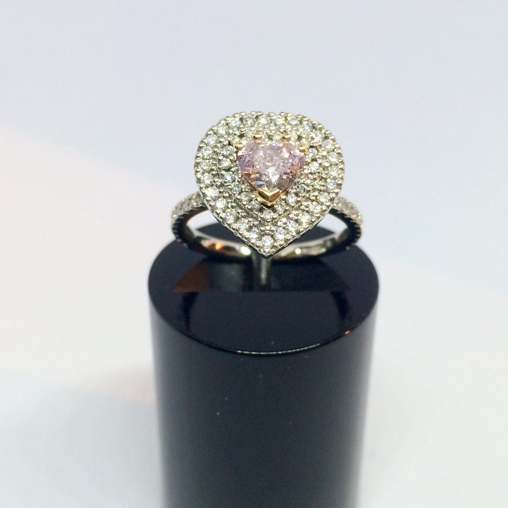 PLATINUM PINK DIAMOND HEART RING