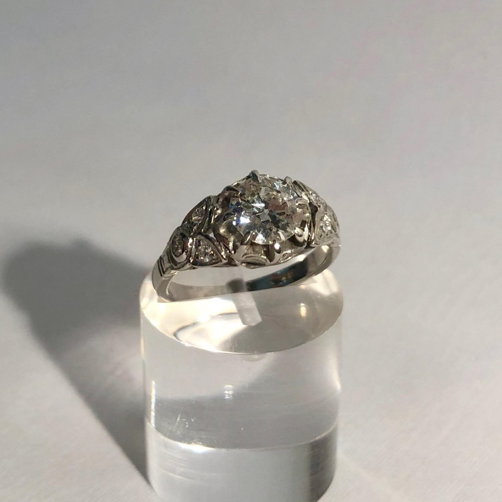 PLATINUM VINTAGE OLD CUT DIAMOND RING