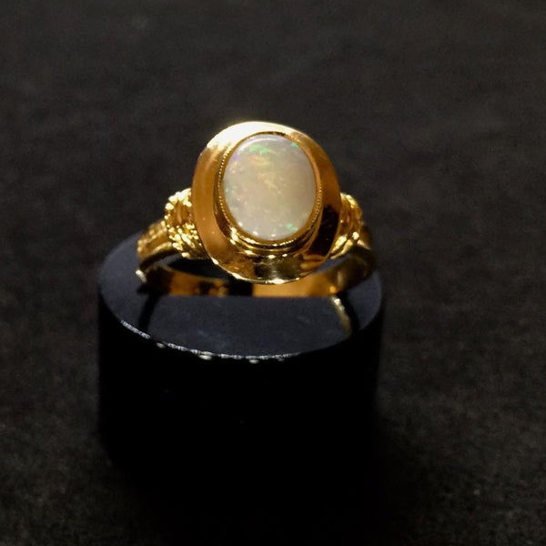 18CT VICTORIAN RUBOVER OPAL RING