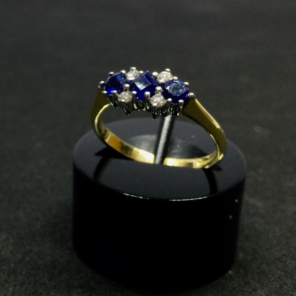 18CT YELLOW GOLD PREOWNED SAPPHIRE DIAMOND RING