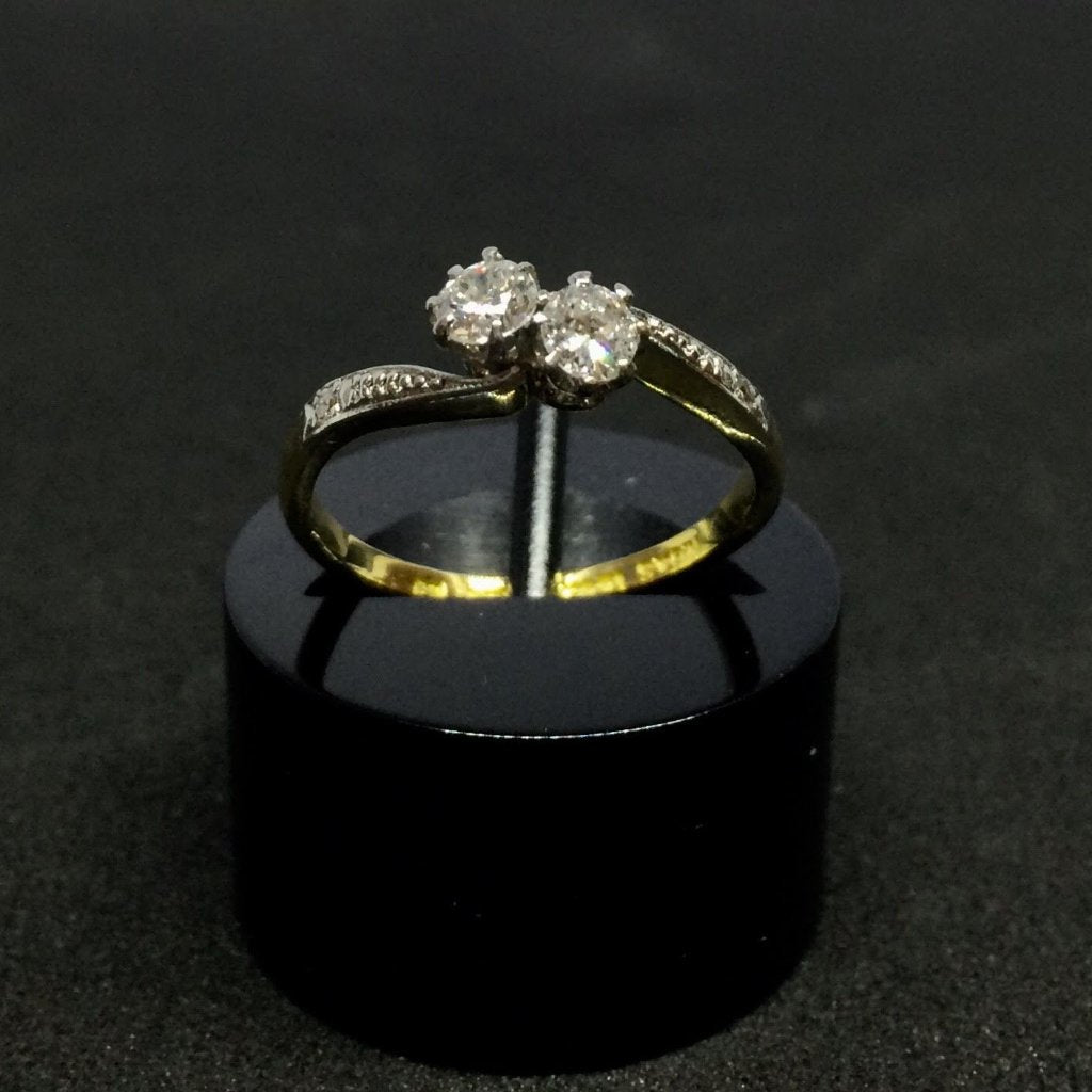 18CT YELLOW GOLD AND PLATINUM DIAMOND TWIST RING