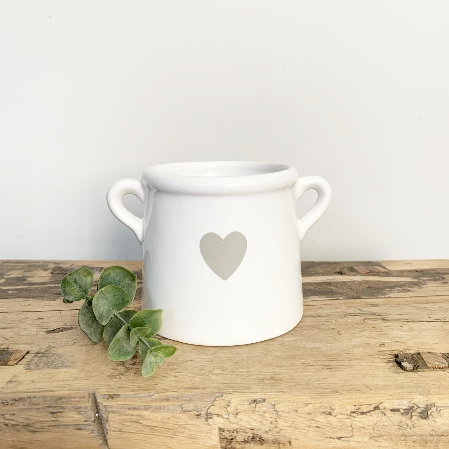 WHITE POT WITH HEART SMALL