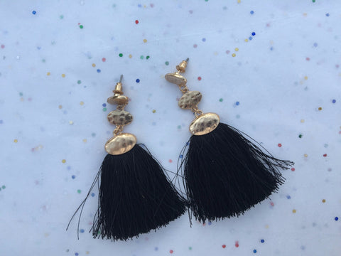 Black & Gold Tassel Earrings - Velvet Crown Boutique