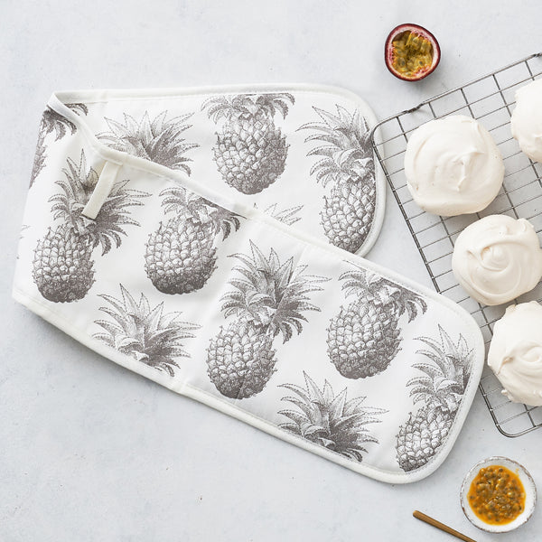 Grey Pineapple Oven Glove