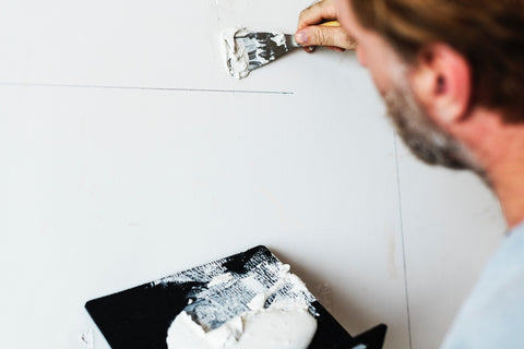 Painting a Wall - Redecoration a home