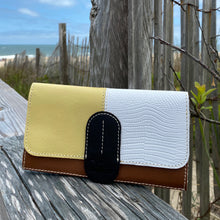 Lily International Wallet